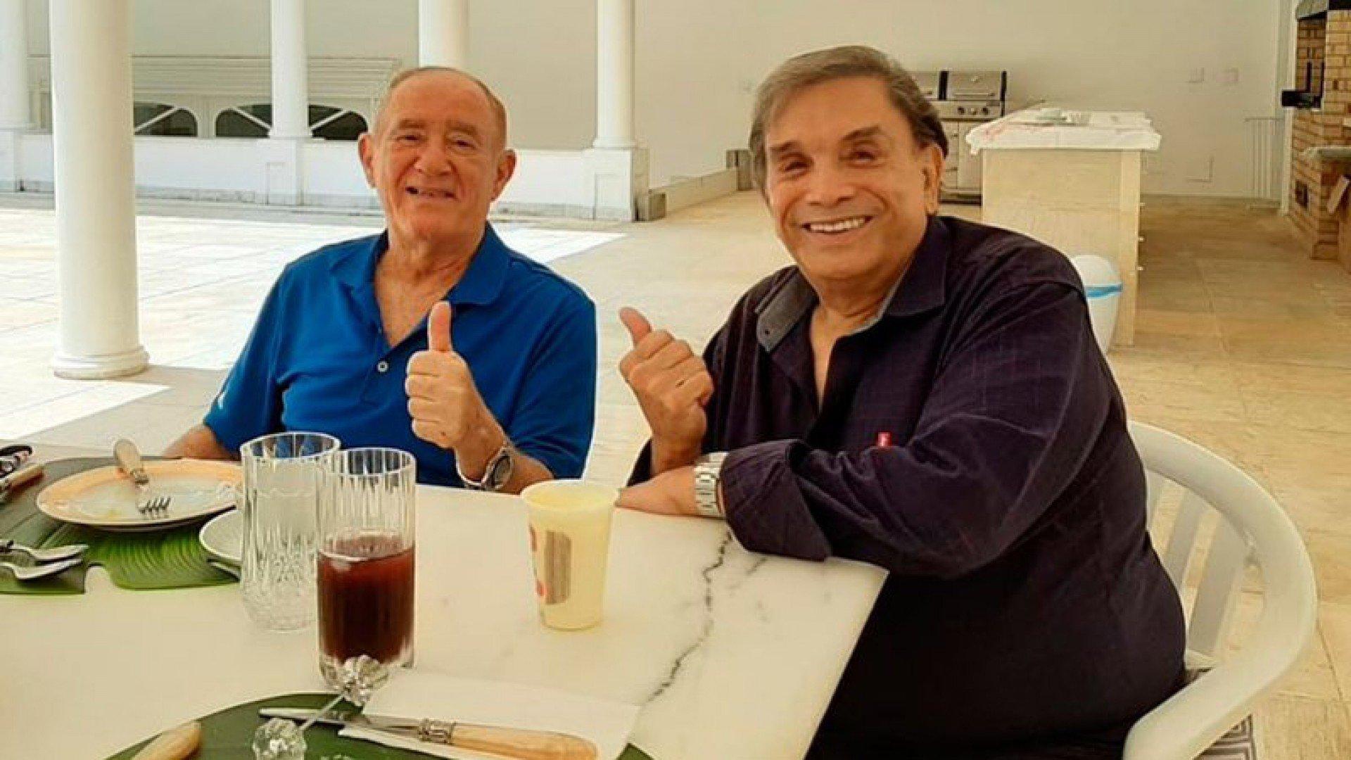 Renato Aragão mostra encontro com Dedé Santana   Diversão
