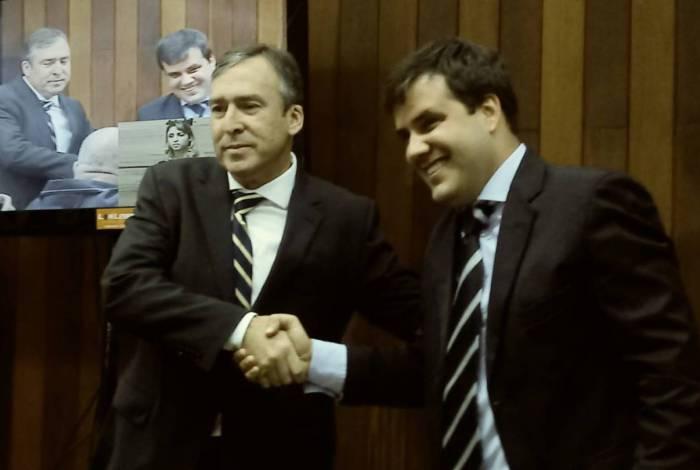 Dr. Adriano do DEM, prefeito de Cabo Frio e o Vereador Aquiles Barreto do PT na Câmara dos Vereadores da cidade
