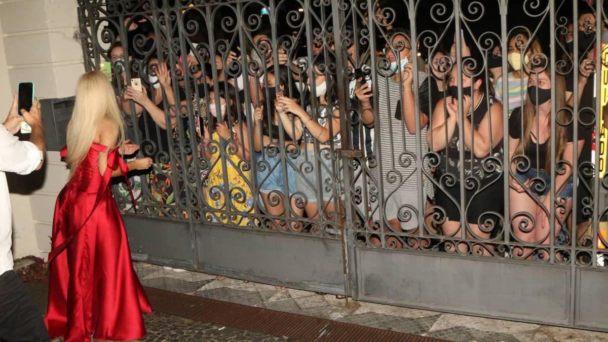 Luisa conversa com fãs após fim de live