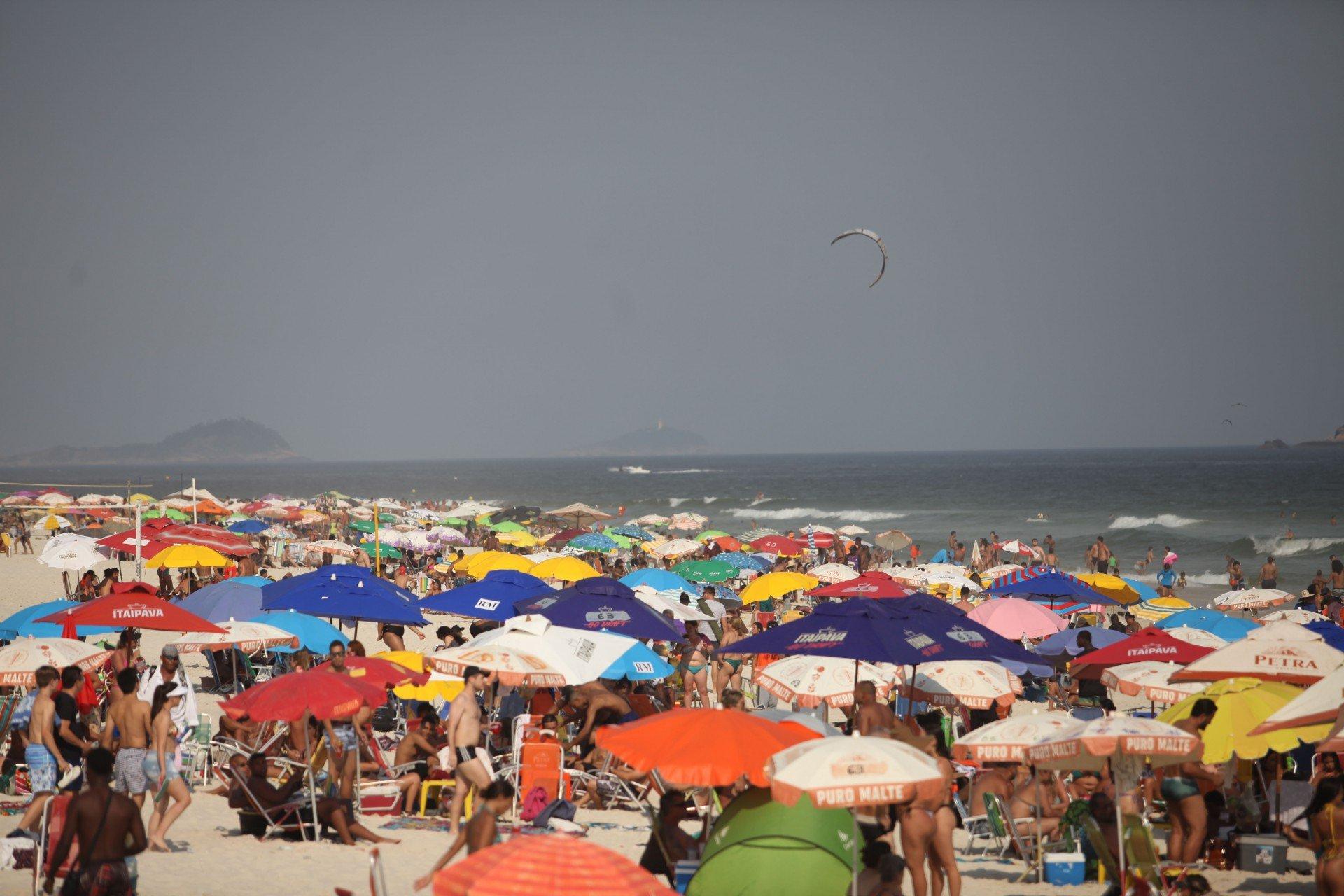 Crivella libera praias e pista de dança em última etapa da flexibilização