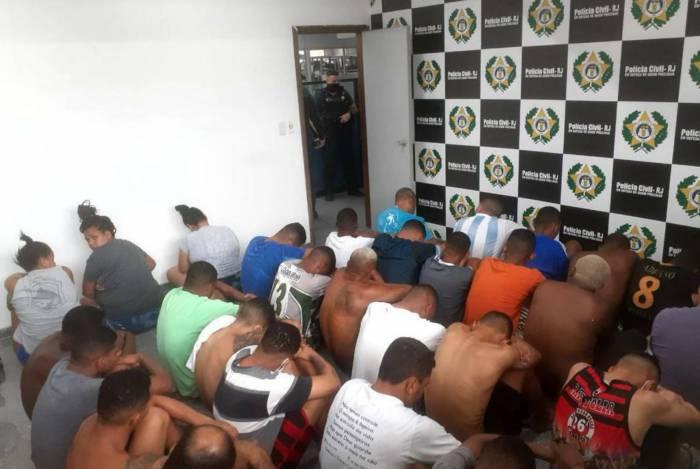 Os suspeitos foram levados para a 146ª Delegacia de Polícia Civil, em Guarus.