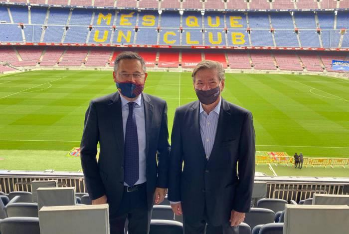 Candidato à presidência do Vasco, Jorge Salgado visita o Barcelona para trocas de conhecimentos