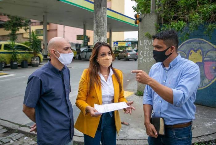 Candidata à Prefeitura do Rio pelo PSC com Cabo Daciolo e com o presidente do Sindicato dos Taxistas do Município do Rio de Janeiro, Hildo Braga