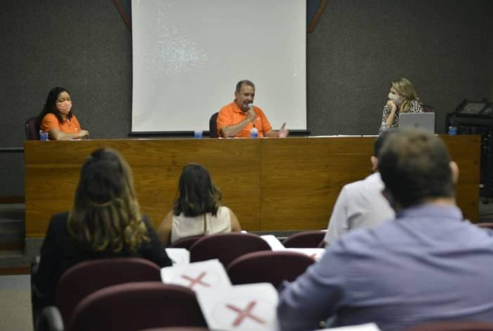 Candidato à Prefeitura do Rio pelo Novo, Fred Luz, em encontro com empresários de Santa Cruz