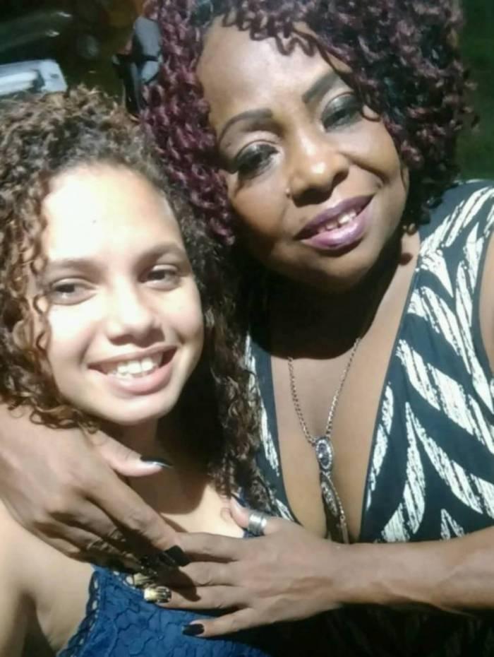 Avó e a neta Thaylla, desaparecida há 4 dias