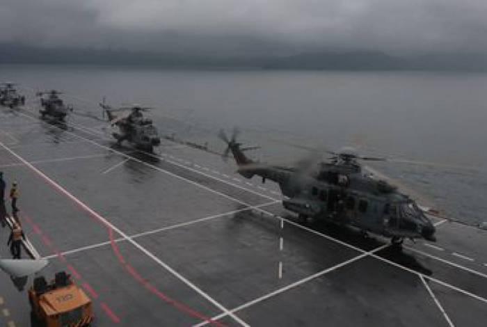 Operação Poseidon 2020 reuniu cerca de mil militares das três Forças, no Rio de Janeiro, com apoio do Porta-Helicópteros Atlântico, e contou com as presenças do ministro da Defesa, Fernando Azevedo e Silva, e do comandante da Marinha, almirante de esquadra Ilques Barbosa Júnior