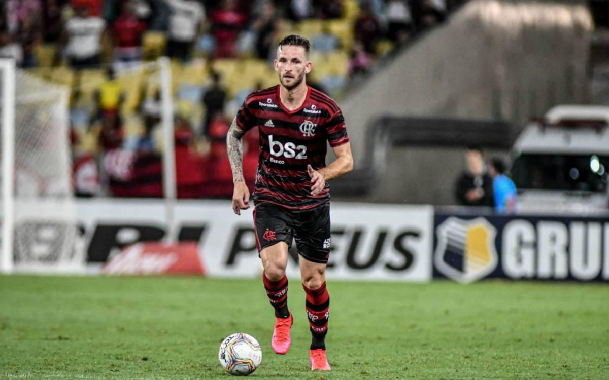 Clube europeu faz proposta pelo zagueiro Léo Pereira