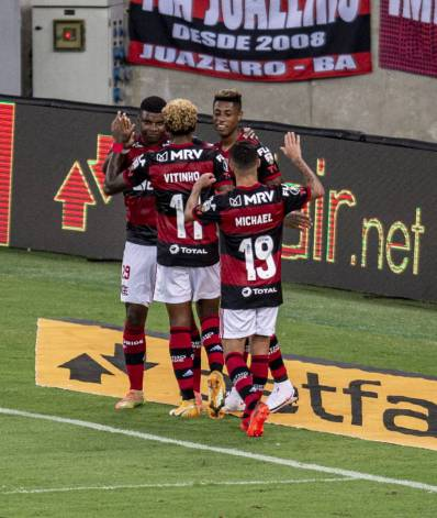 Bruno Henrique e Lincoln. Flamengo x JR Baranquilla - Conmebol Libertadores - 21-10-2020. Marcelo Cortes/Flamengo
