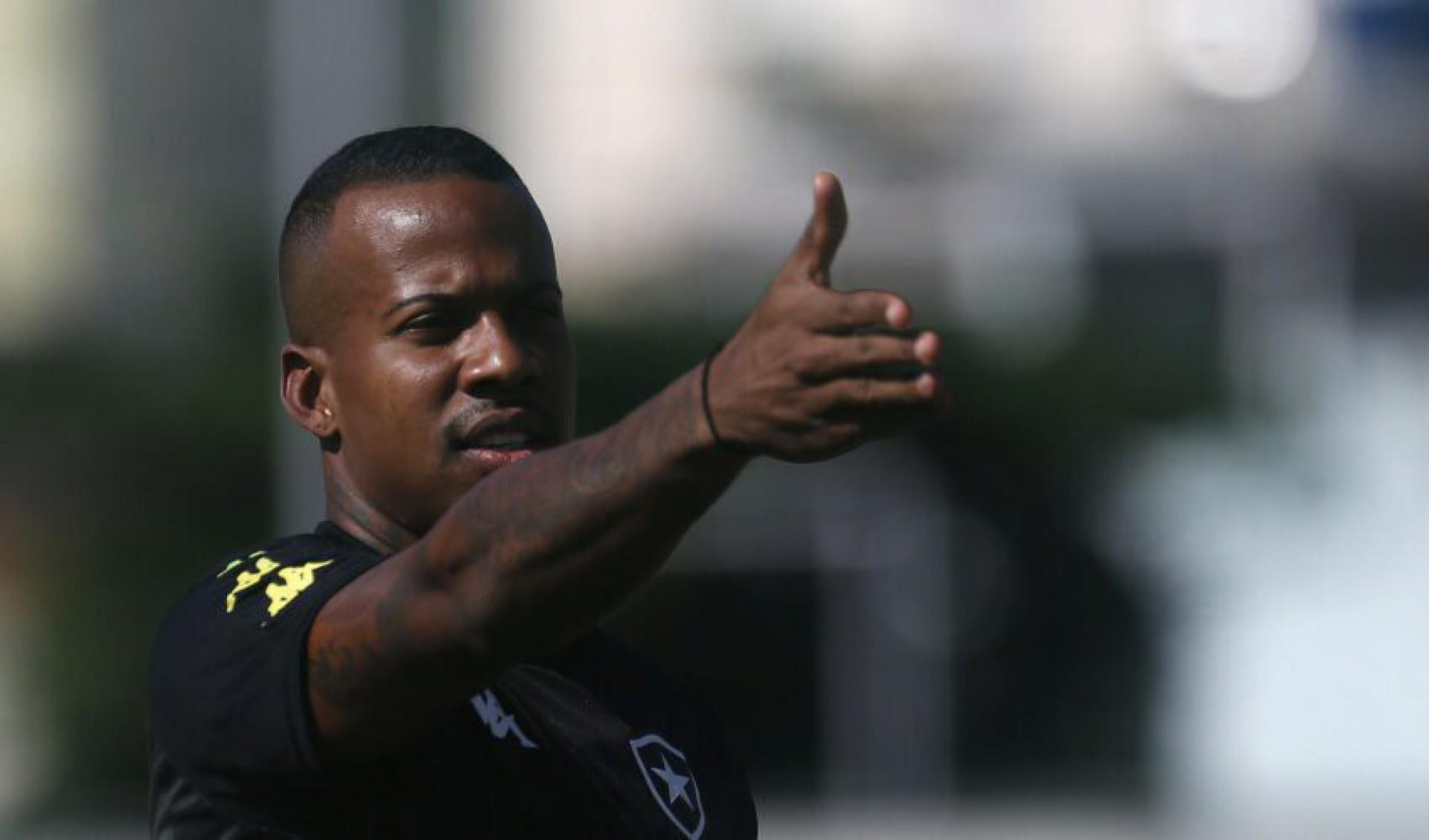 Ex-Botafogo, Guilherme Santos acerta com clube da Série A