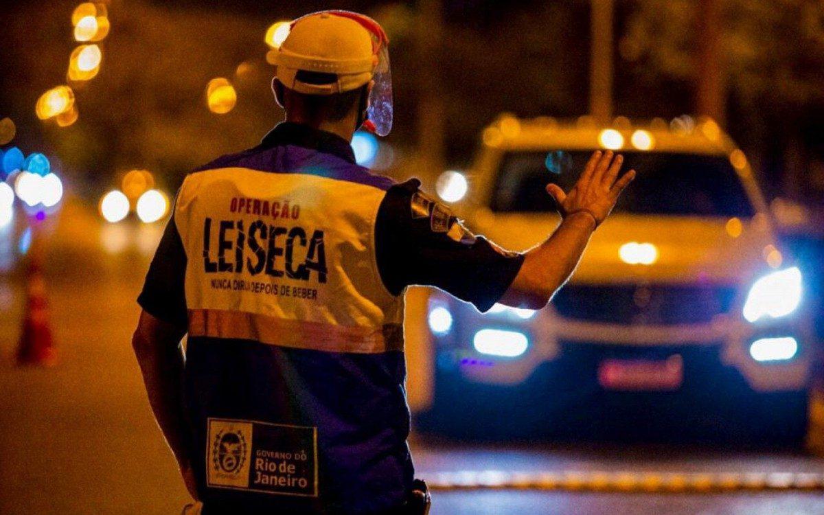 Mais de 10% dos motoristas parados pela Operação Lei Seca apresentaram  sinal de consumo de álcool | Rio de Janeiro | O Dia