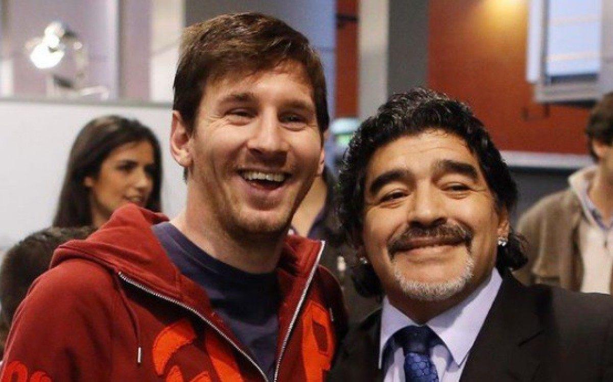 Messi (E) se despede de Maradona em postagem no Instagram