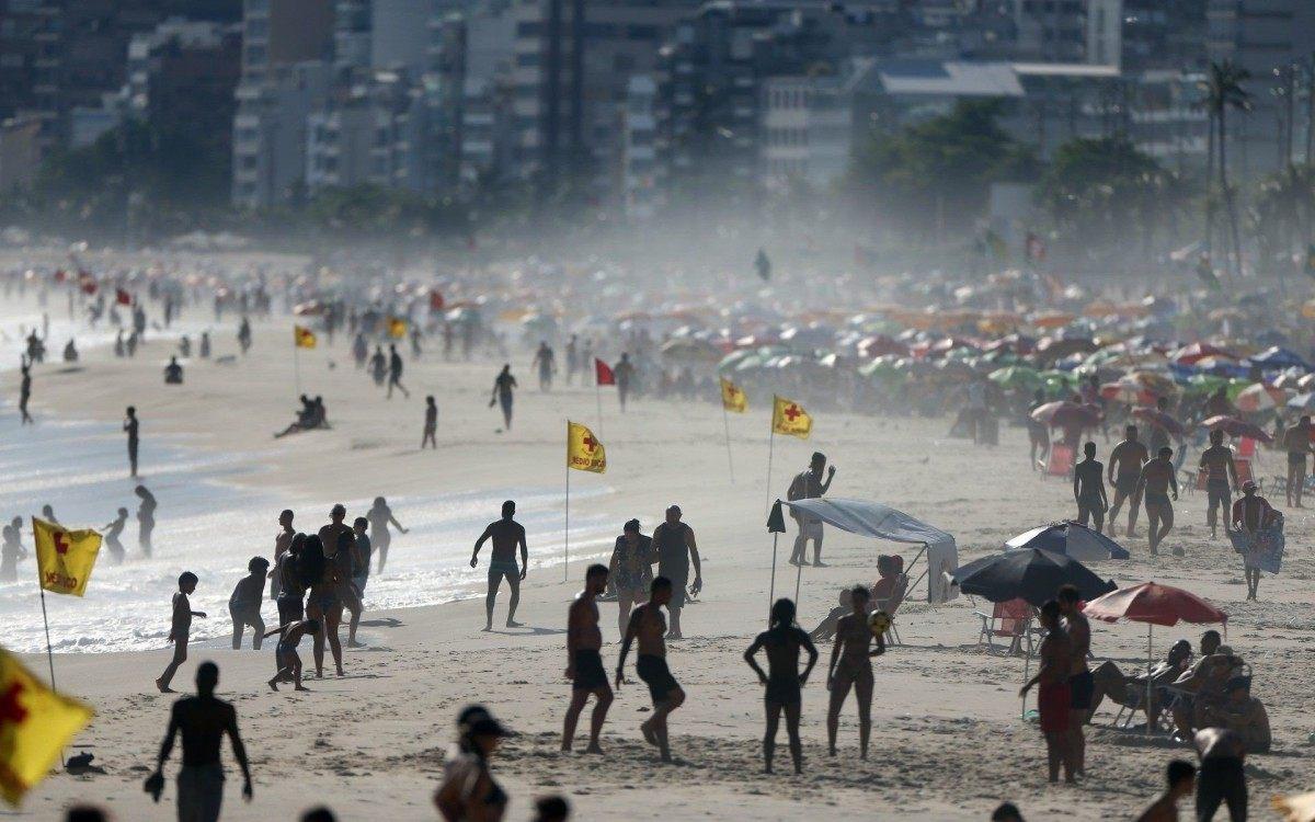 Praias serão fechadas no Rio durante o Ano Novo para evitar aglomerações - Daniel Castelo Branco