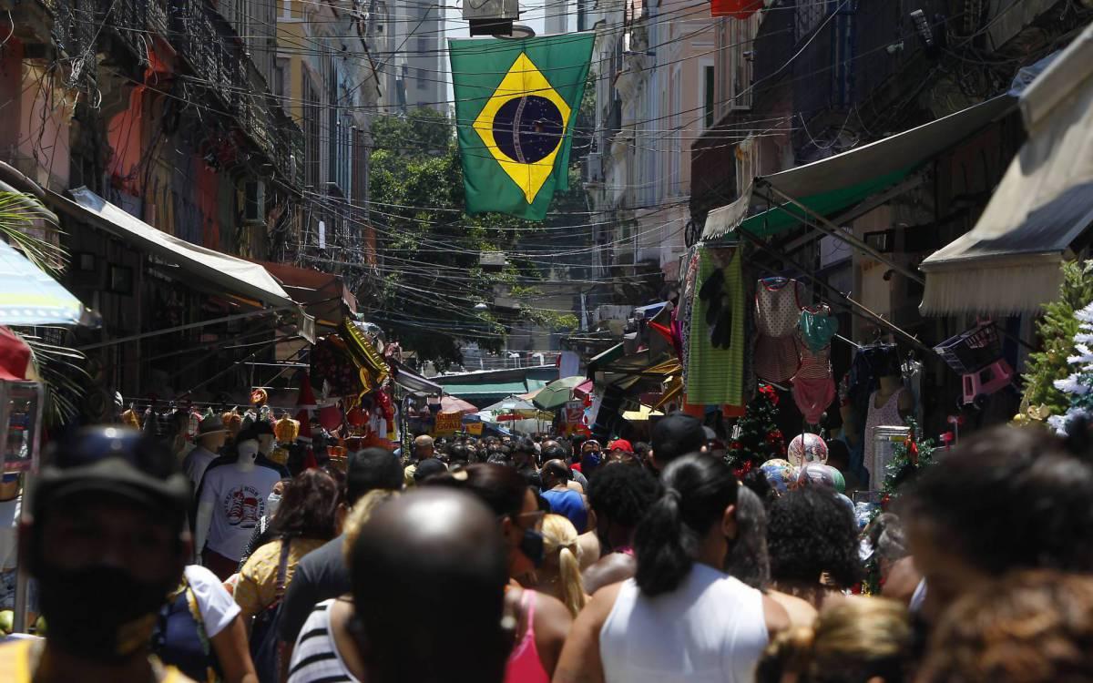 Rio de Janeiro 19/12/2020 - Movimentação na Saara para compras de Natal. Foto: Luciano Belford/Agencia O Dia - Luciano Belford/Agencia O Dia