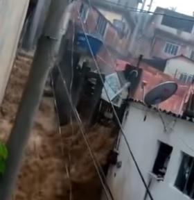 Chuva deixa um morto e casas desabam em Caxias - Reprodução vídeo