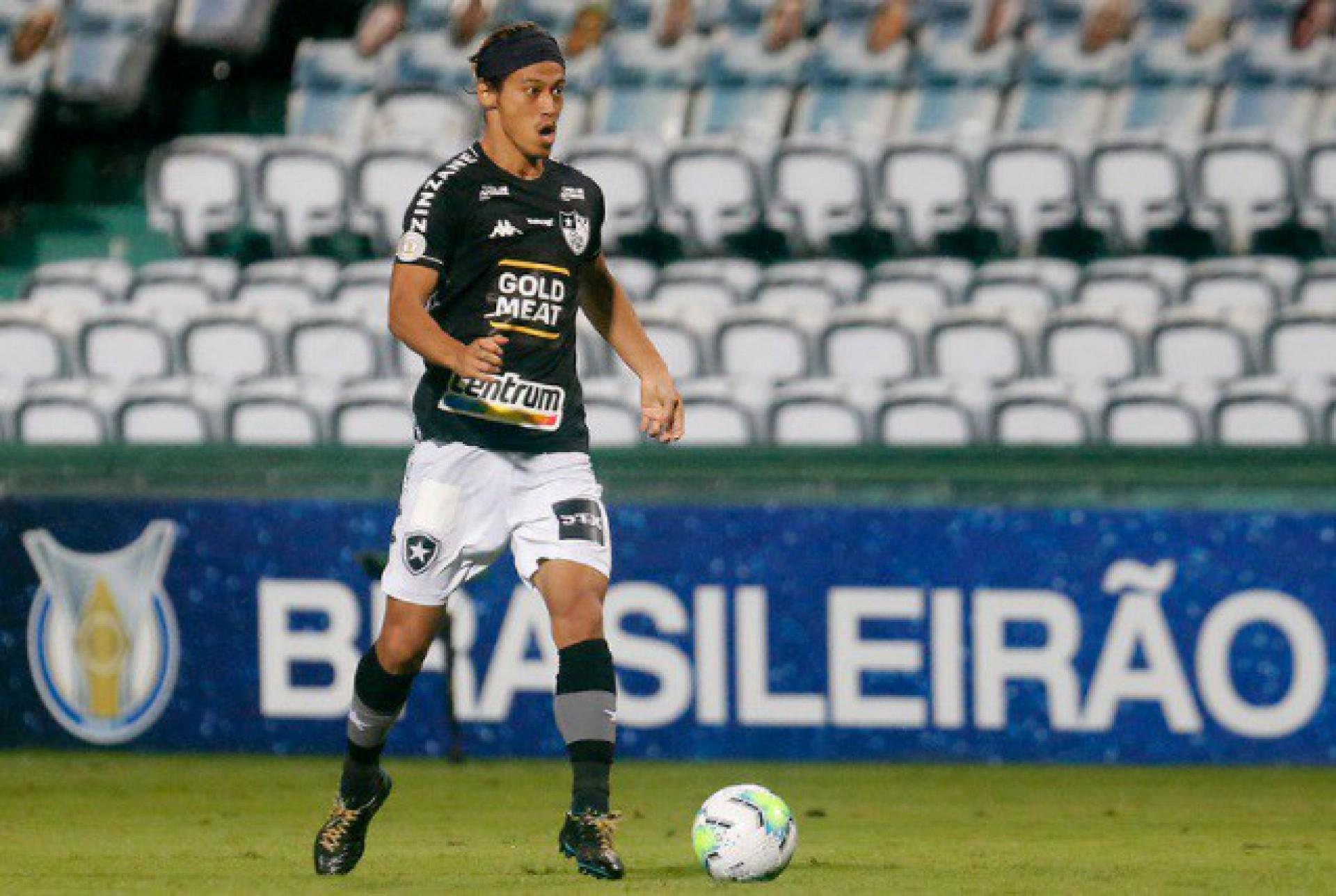 Ex-Botafogo, Keisuke Honda acerta com clube da Lituânia