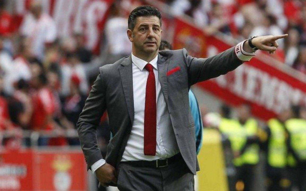 Técnico especulado no Flamengo rasga elogios ao clube: Acima de qualquer normalidade