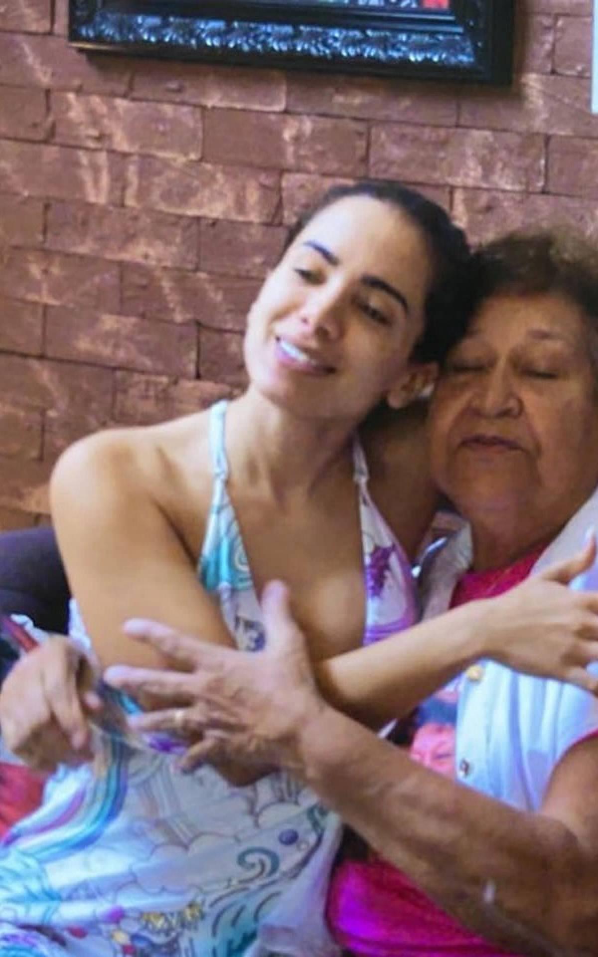 Fã idosa do documentário de Anitta processa a cantora e a Netflix | Fábia  Oliveira | O Dia