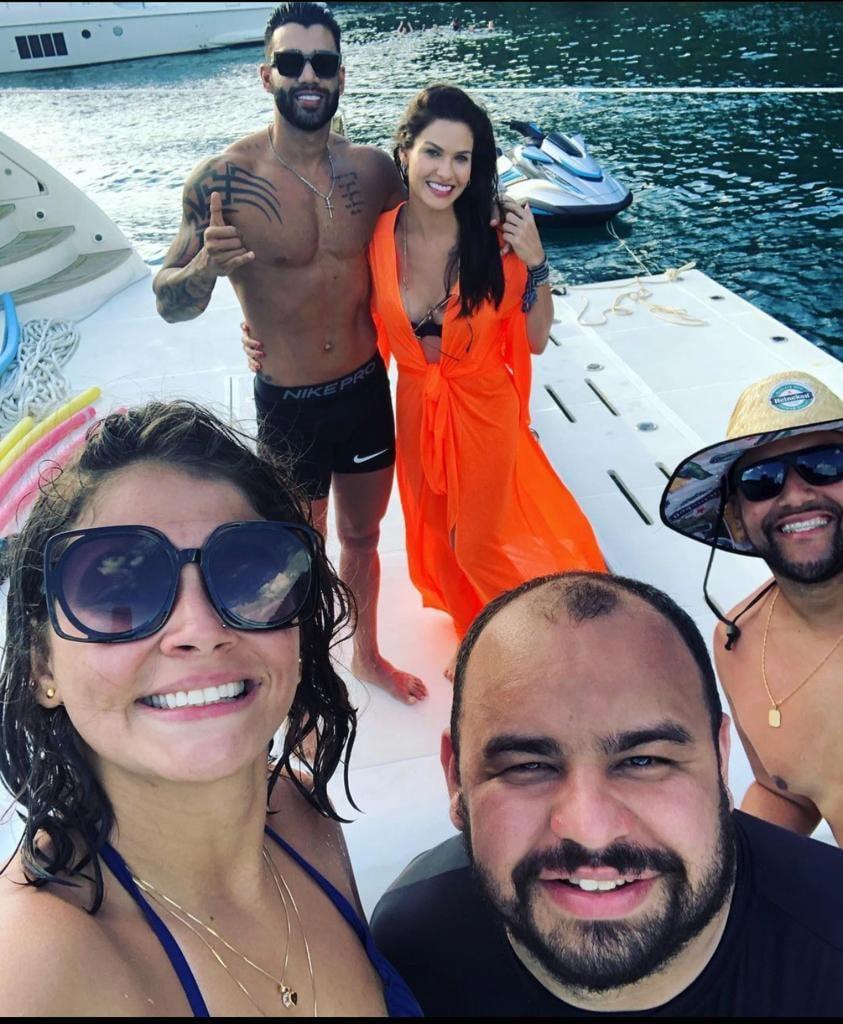 Gusttavo Lima e Andressa Suita são vistos juntos em passeio de barco | Fábia Oliveira | O Dia