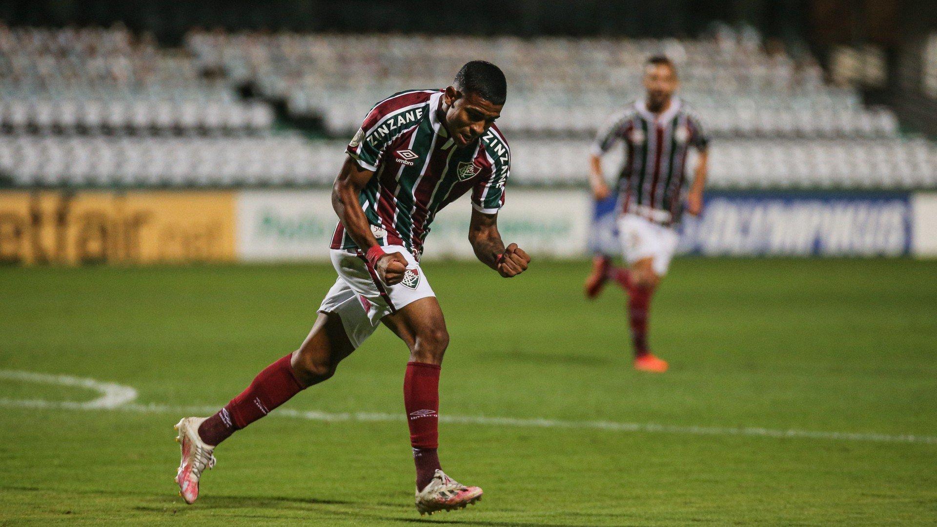 'Carrasco' do Flamengo na base, atacante do Fluminense pode iniciar primeiro Fla-Flu como titular no profissional