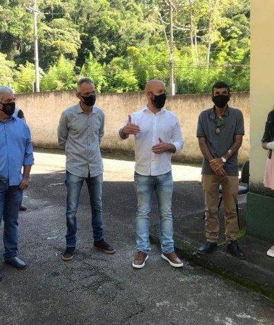 Reunião na sede da Secretaria de Agricultura de Teresópolis