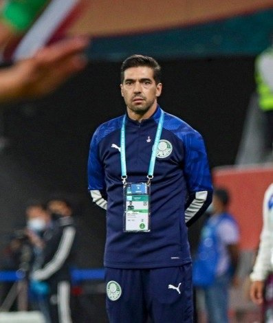 Palmeiras' Portuguese coach Abel Ferreira looks on during the FIFA Club World Cup semi-final football match between Brazil's Palmeiras and Mexico's UANL Tigres at the Ahmed bin Ali Stadium in the Qatari city of Ar-Rayyan on February 7, 2021. (Photo by Karim JAAFAR / AFP)