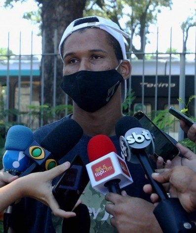 Primo de Ray, Lucas Isaías da Silva, acusa PM de morte de adolescente de 14 anos