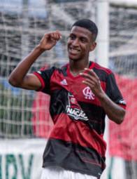 Jogador Max do Flamengo. Paula Reis/Flamengo
