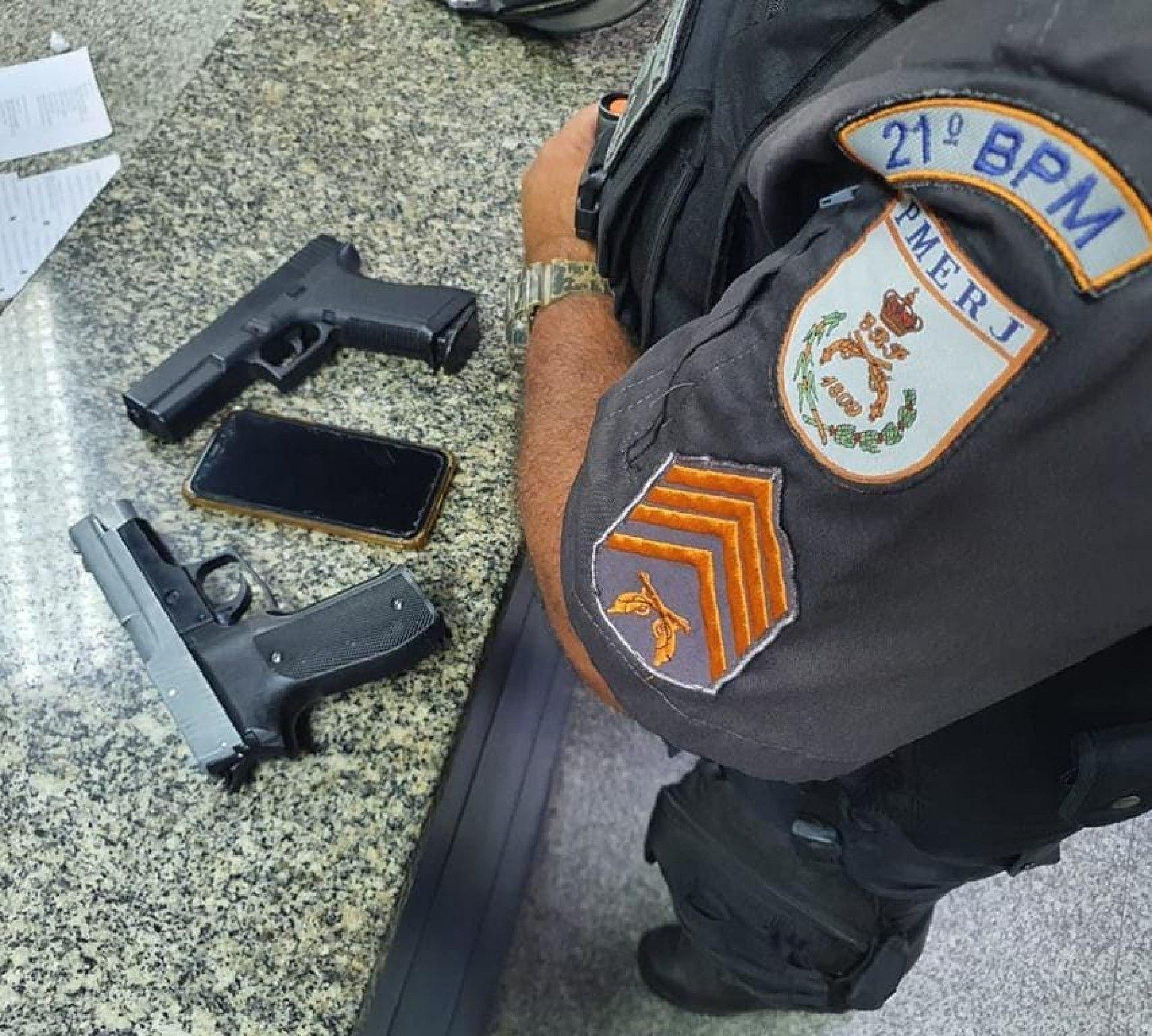 Criminosos são presos após roubar carro em Vilar Dos Teles   São João de  Meriti   O DIA