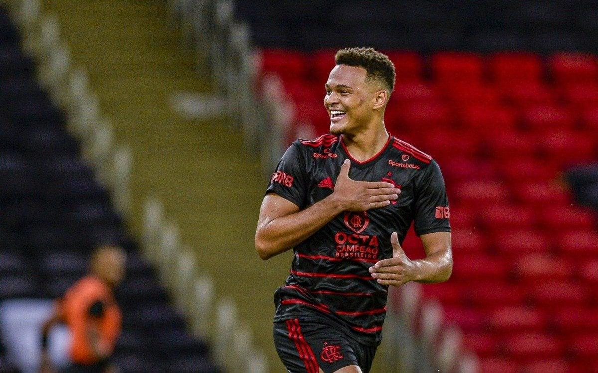 Adeus? Flamengo aceita oferta do futebol inglês por Rodrigo Muniz