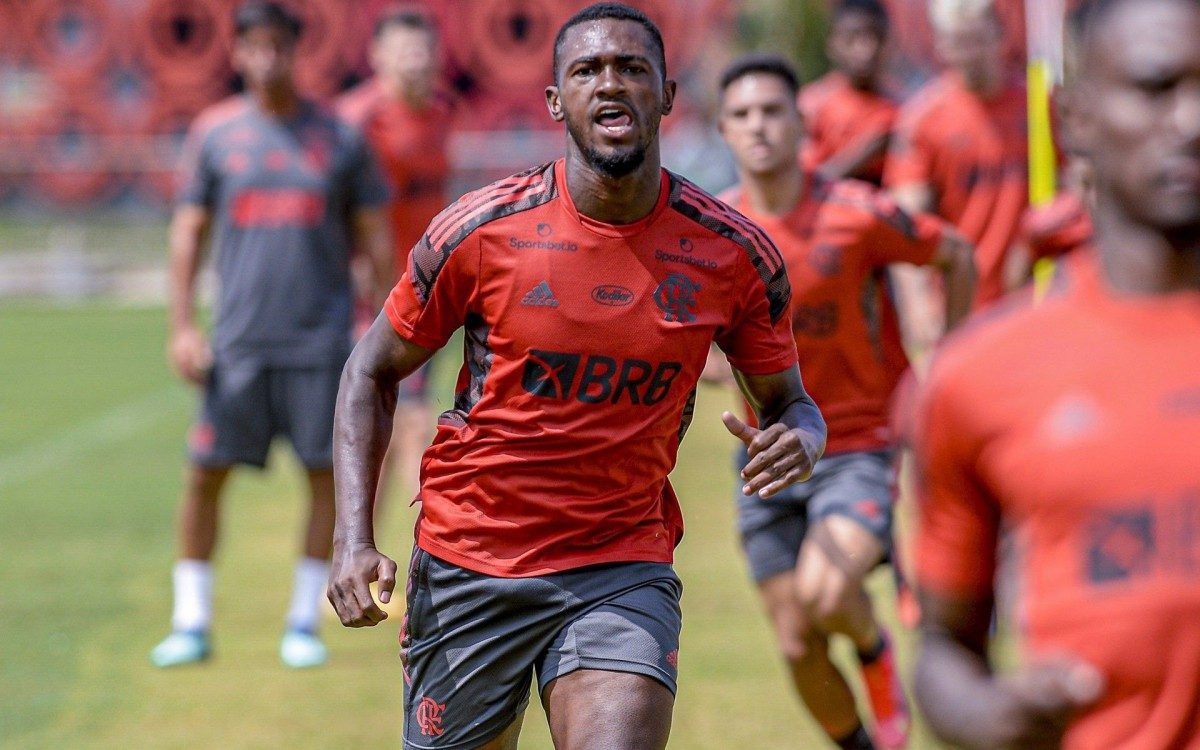 Flamengo e Otávio assinarão novo contrato na próxima segunda-feira