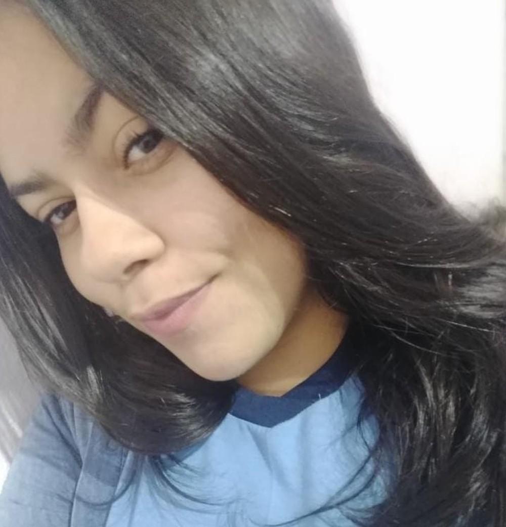 Vitória Costa de Castro, de 18 anos, morreu em sua casa na cidade de São Vicente, no litoral de São Paulo
