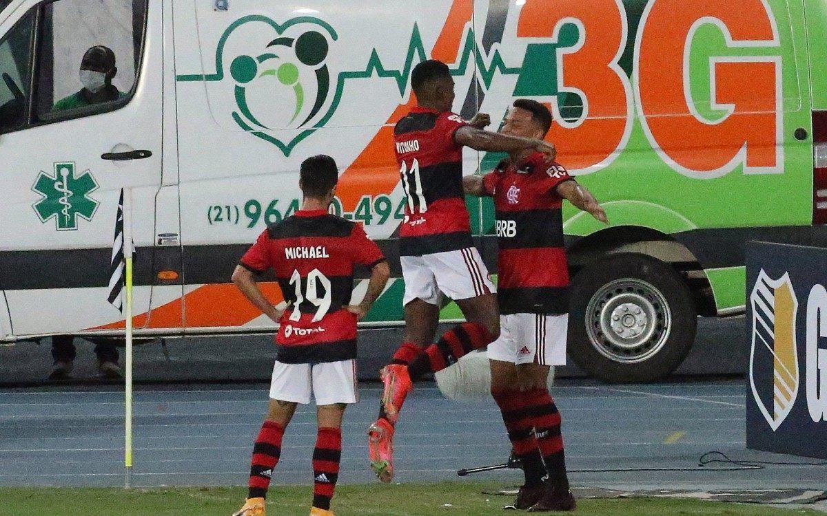 Botafogo e Flamengo se enfrentam no estádio Nilton Santos,  pela quinta rodada do Campeonato Carioca 2021