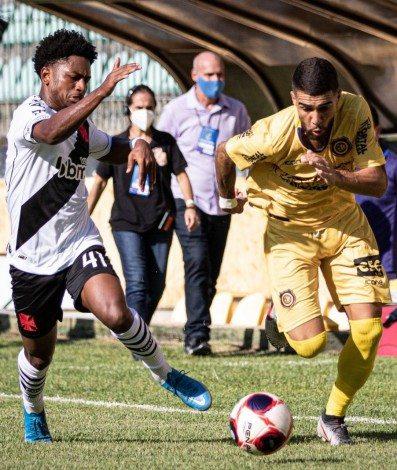 Vasco e Madureira ficaram no empate