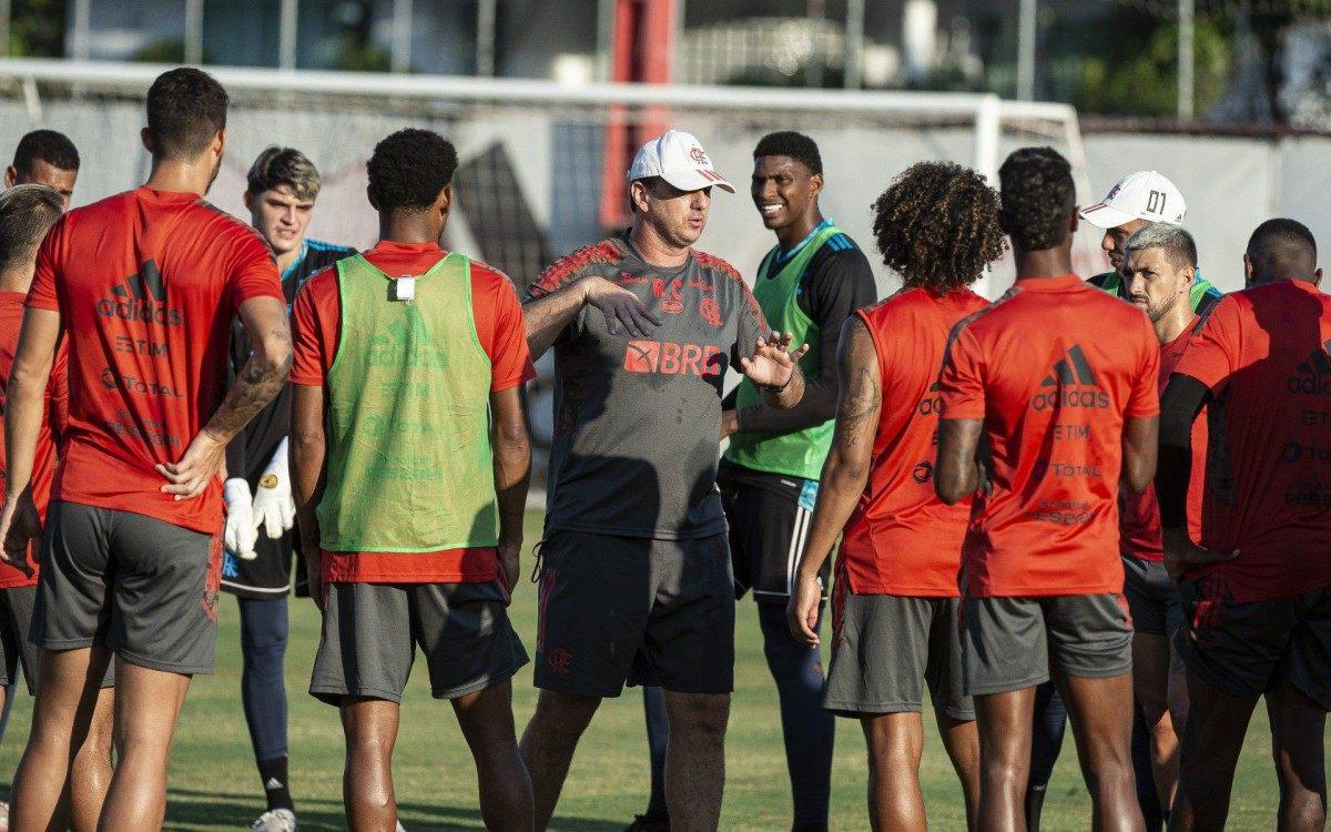 Após lesão, jogador volta a treinar com o grupo e pode reforçar Flamengo na Supercopa do Brasil