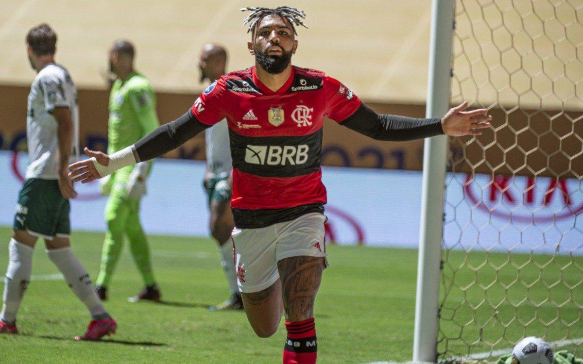 Gabigol marcou o primeiro gol do Flamengo na decisão contra o Palmeiras