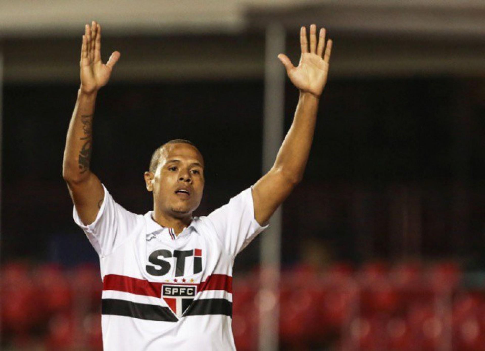 Ex-Seleção diz que recusou proposta do Flamengo para seguir no São Paulo