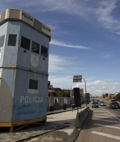 Cabines da PM ficam desativas em vias expressas do Rio. Na foto acima, a Base da PM na Linha Amarela na altura de Pilares