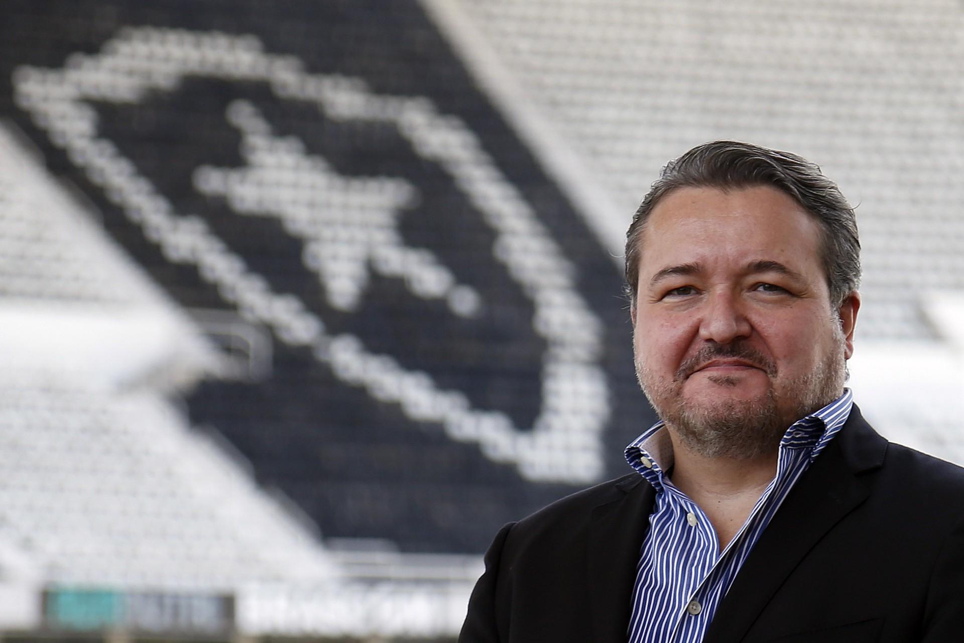 Botafogo apresenta plano para parcelar dívidas e suspende execuções em ação na Justiça