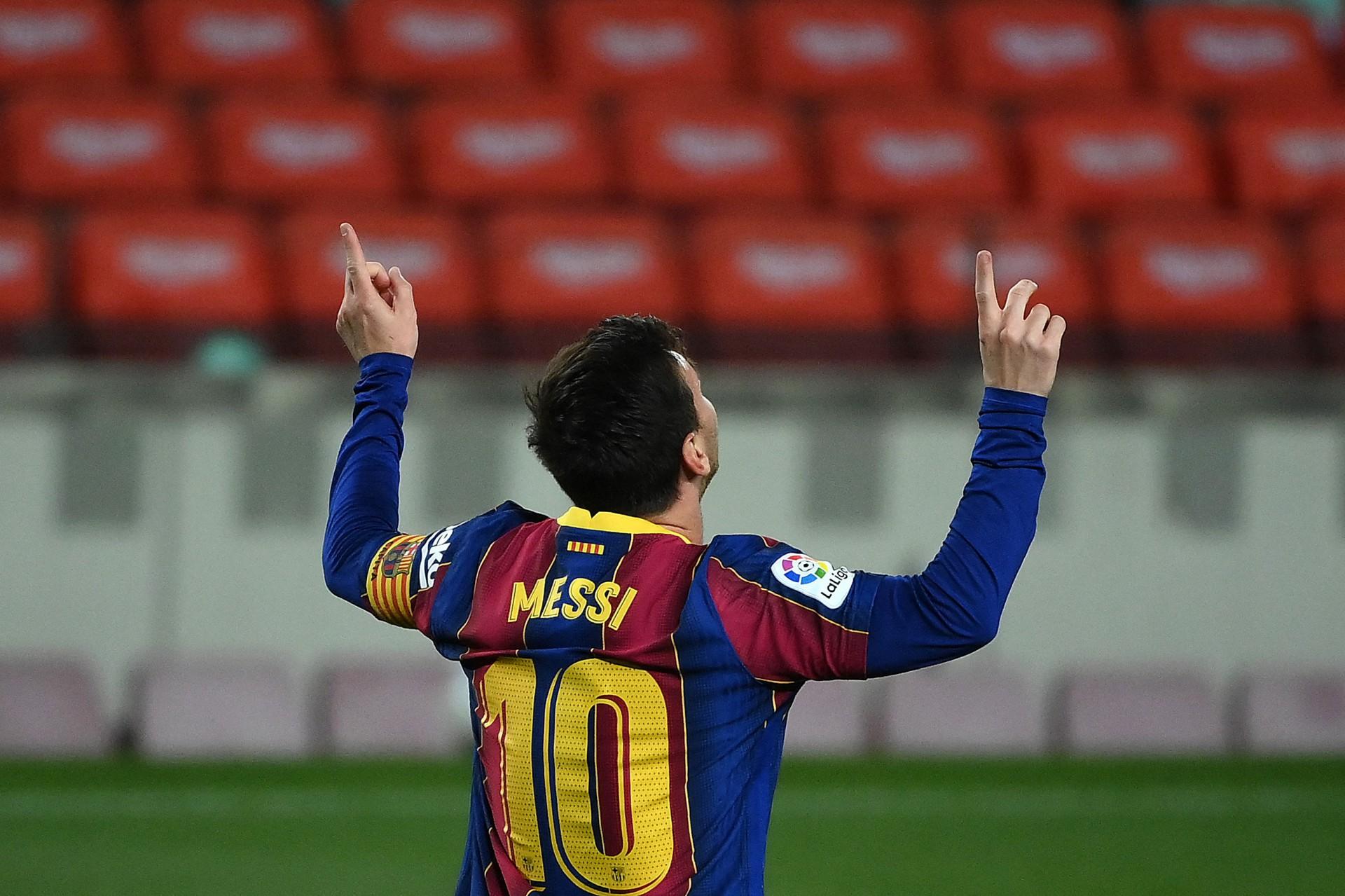 Na mira do PSG, Messi abre mão da 10 para Neymar e imprensa especula novo número