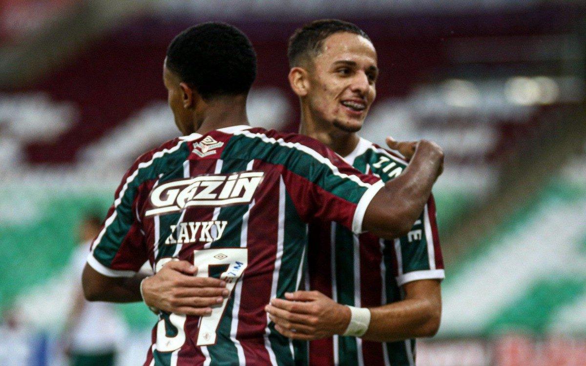 Fluminense x Portuguesa: Kayky e Gabriel Teixeira comemoram gol tricolor