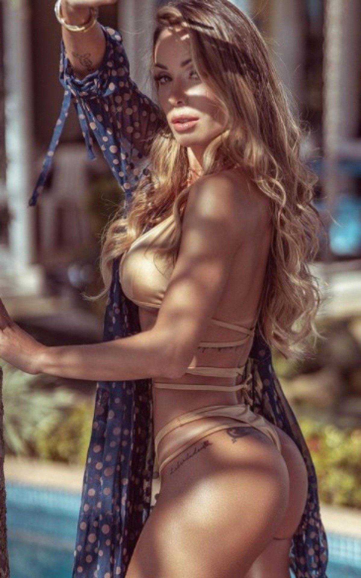 Tatiane Barbieri, de 33 anos, tem a aparência bem jovem e corpo saradíssimo