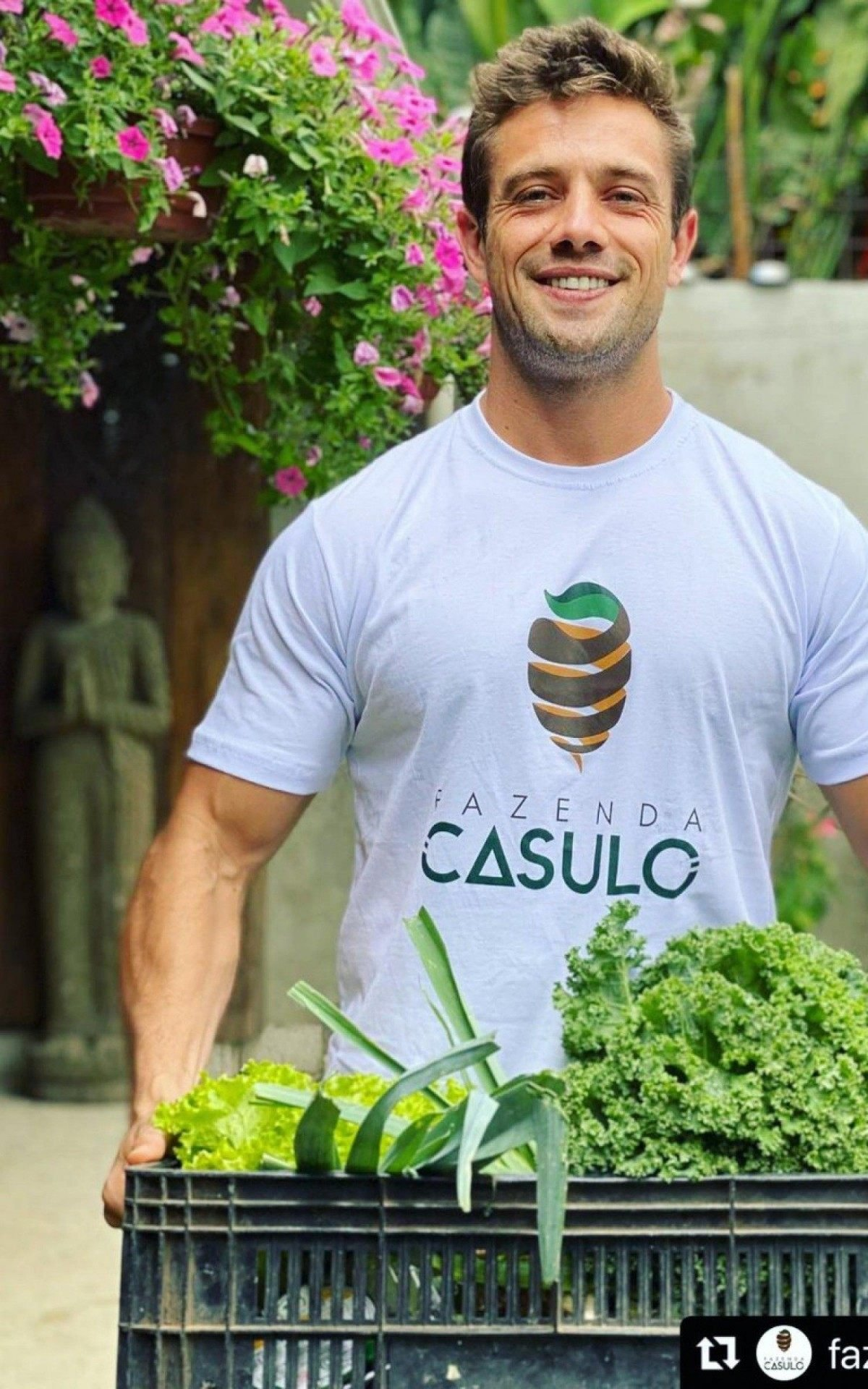 Rafael Cardoso doa caminhão de alimentos orgânicos cultivados em sua fazenda