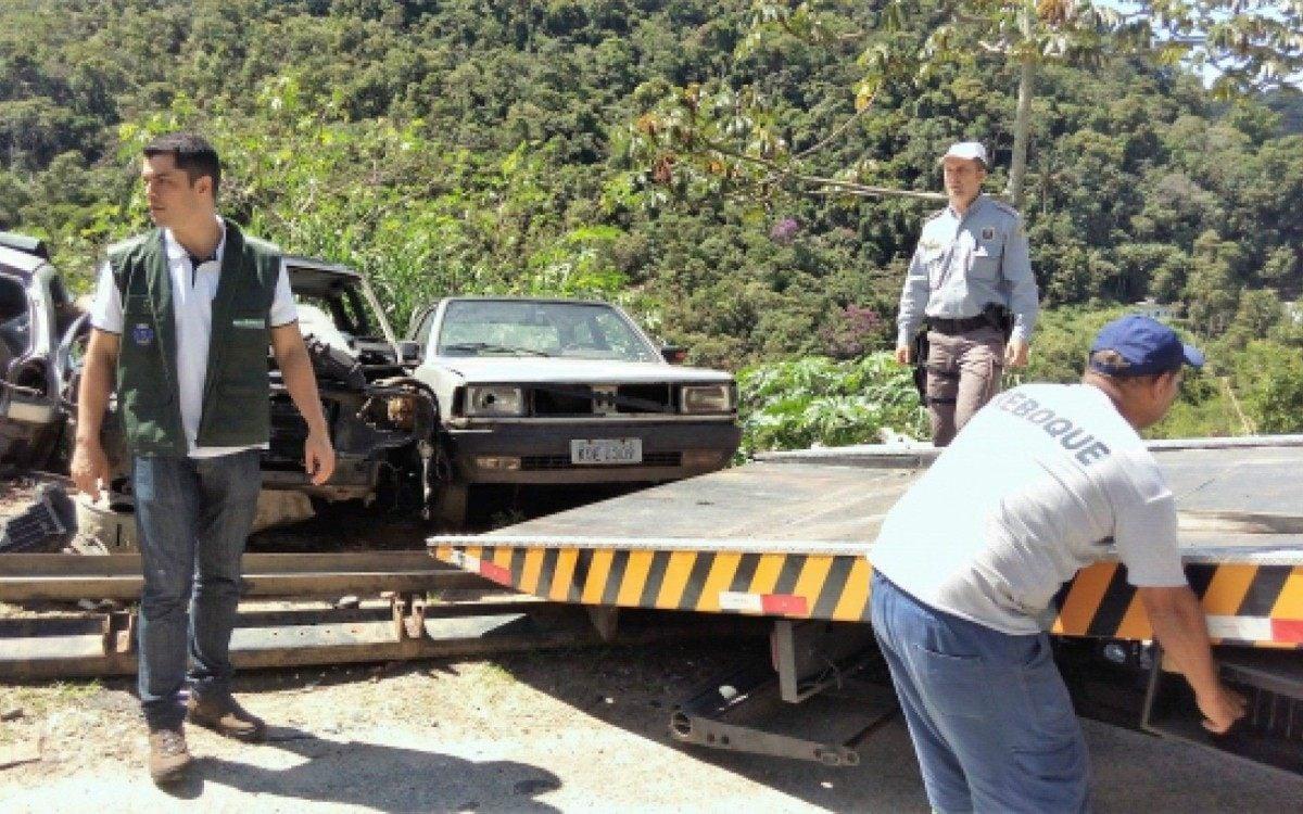 Reboques e depósito veicular municipal entram em funcionamento na próxima  semana   Petrópolis   O Dia