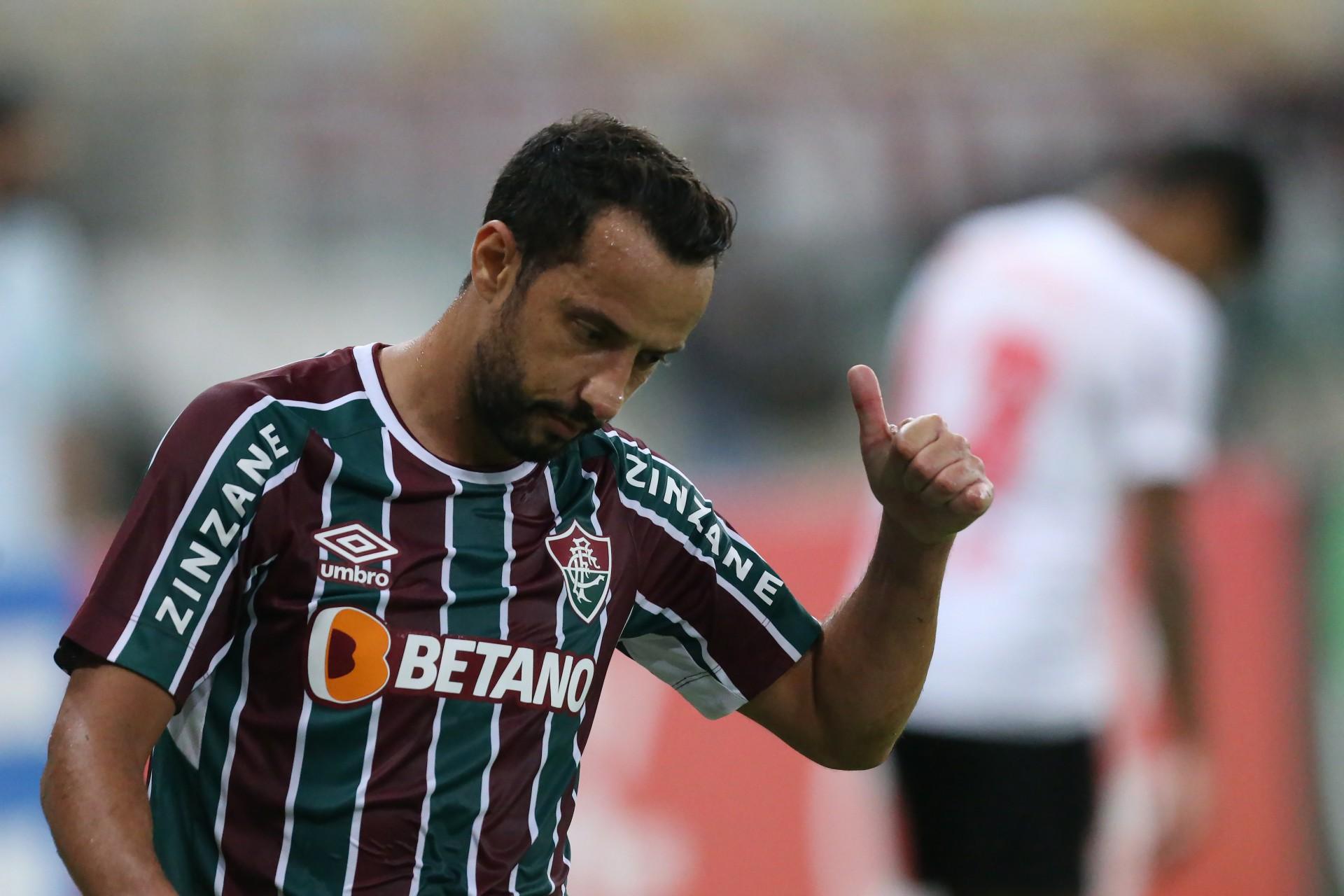 Perda de espaço no elenco pode fazer com que Nenê não renove com o Fluminense, diz site