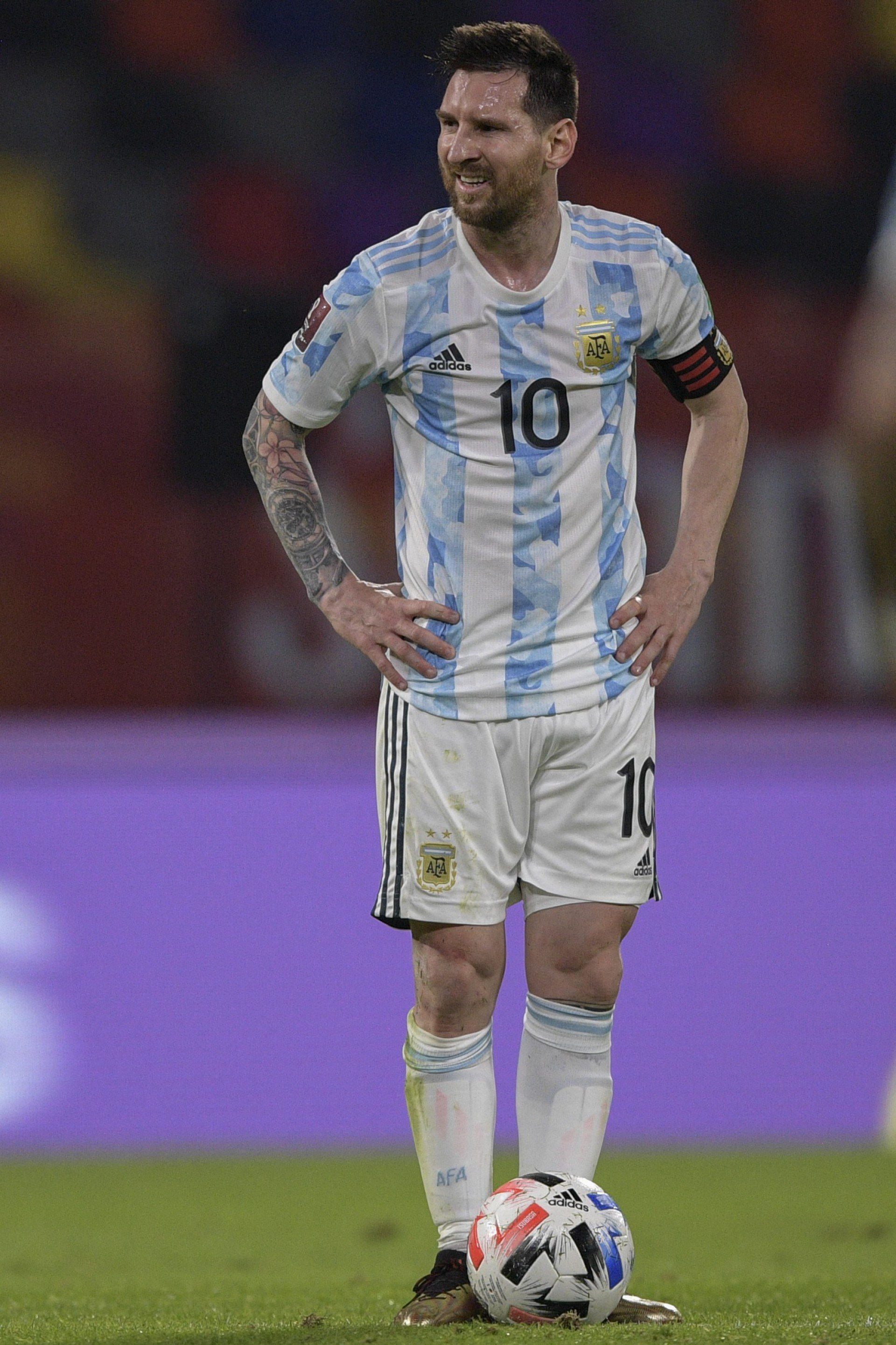 Anvisa interrompe partida na Neo Química Arena e seleção argentina deixa o gramado durante o duelo contra o Brasil