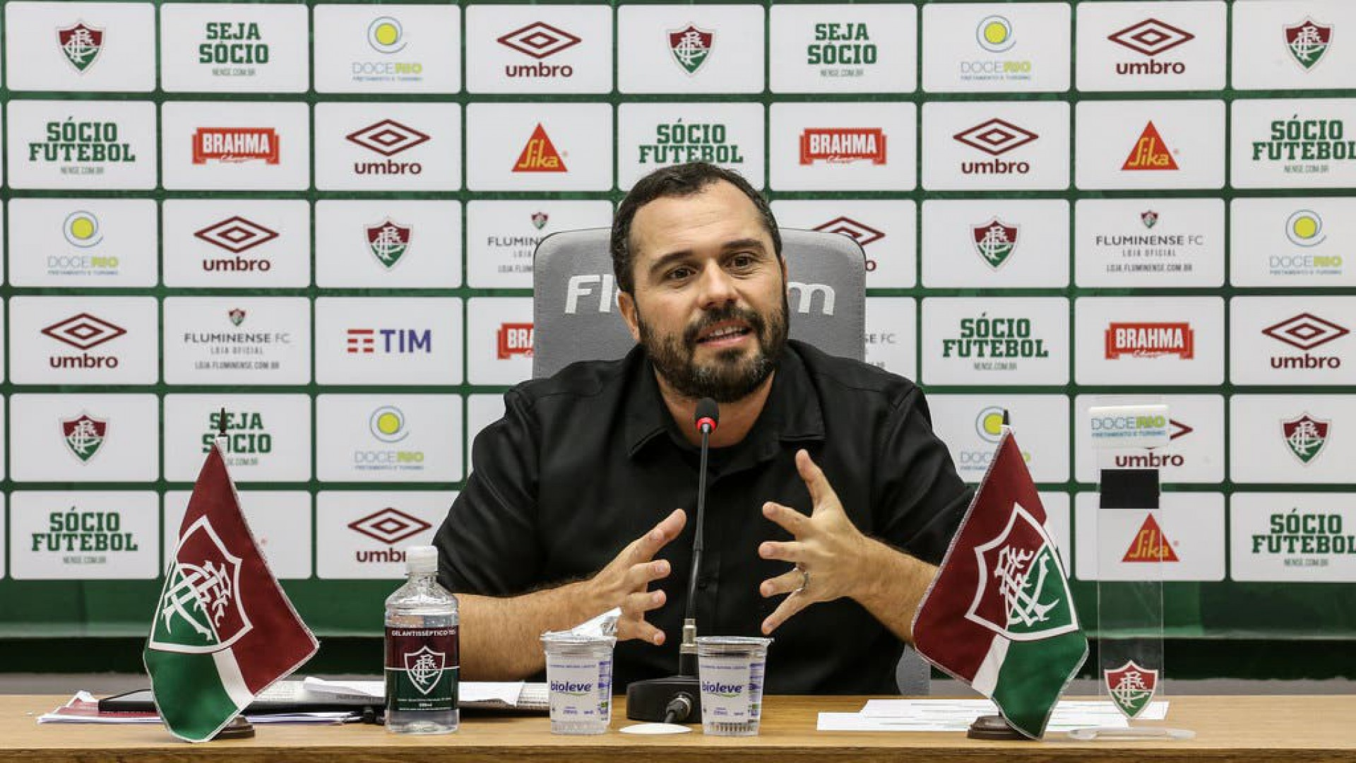 Zagueiro rescinde contrato com Fluminense e vai jogar no Azerbaijão