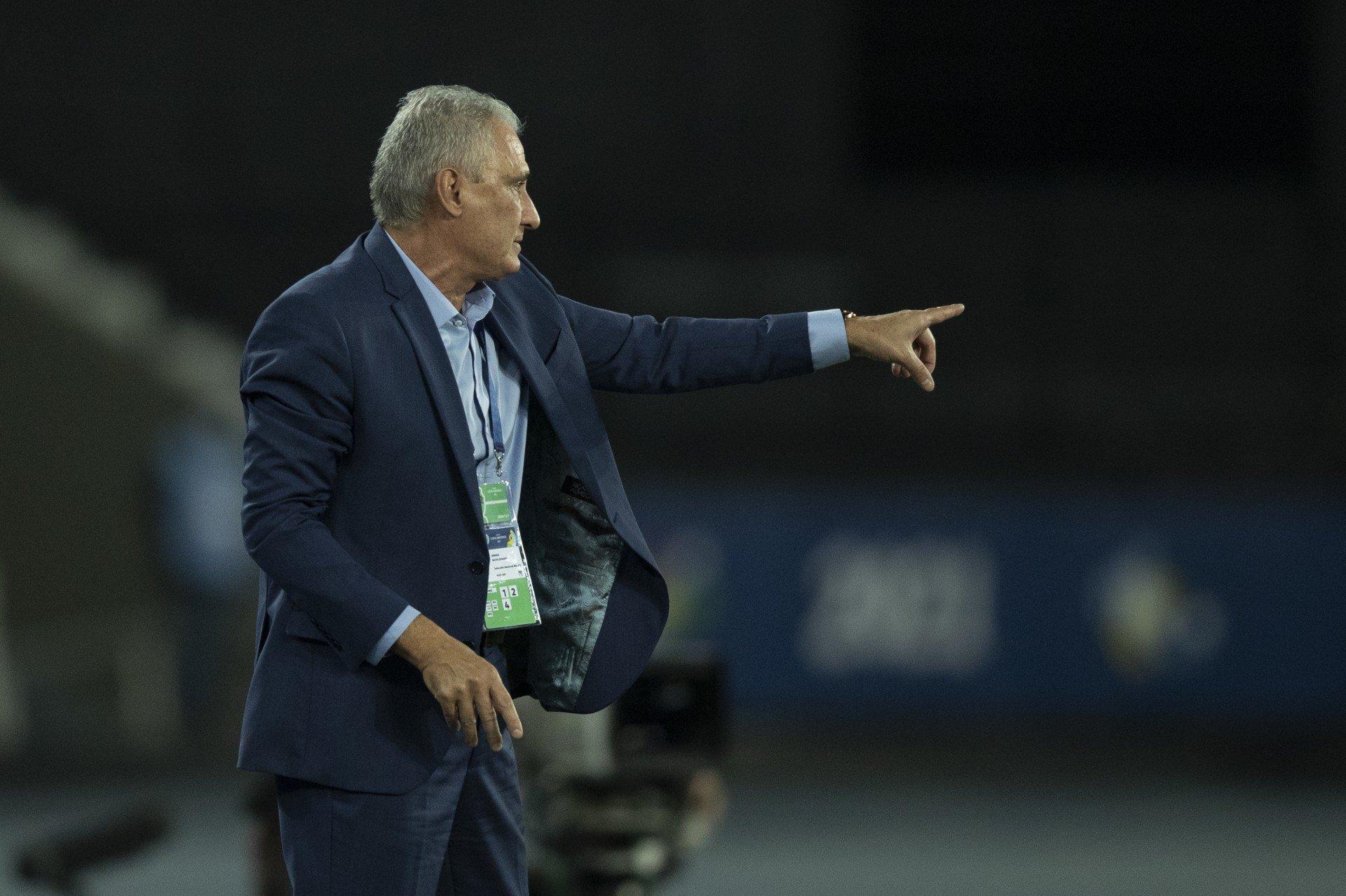 Após suspensão de Marquinhos, Tite convoca zagueiro de clube da Série A para a Seleção