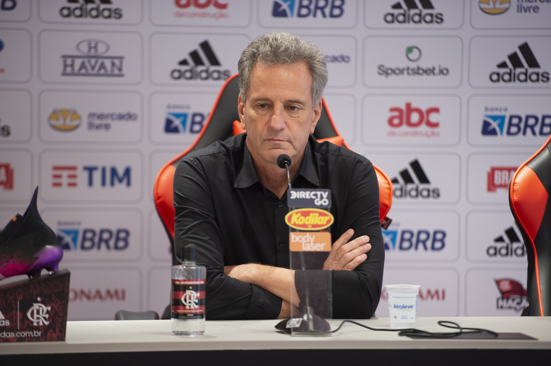 Flamengo acerta contratação de lateral-esquerdo do Cruzeiro