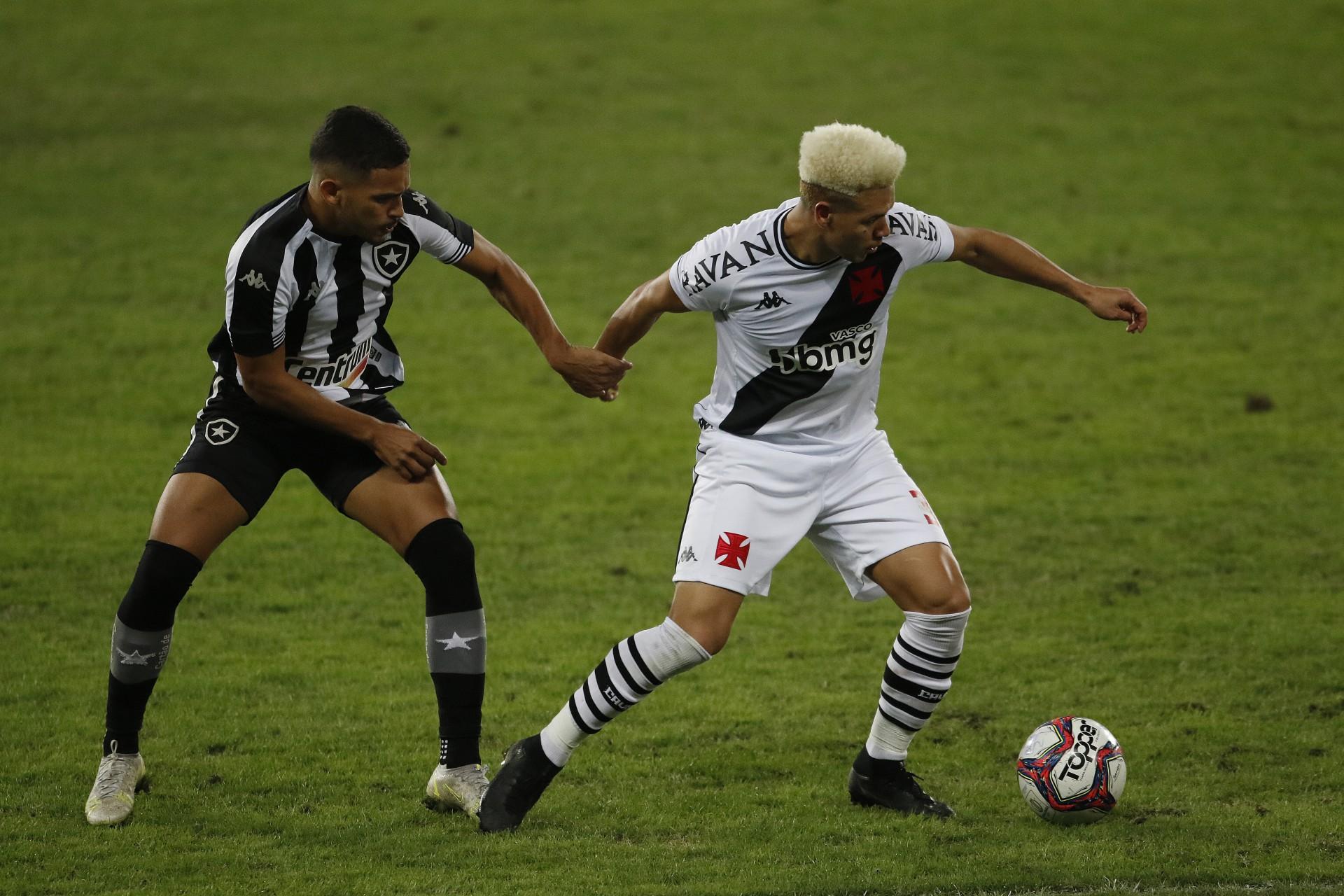 Botafogo e Vasco planejam usar lei do clube-empresa após execução de dívidas