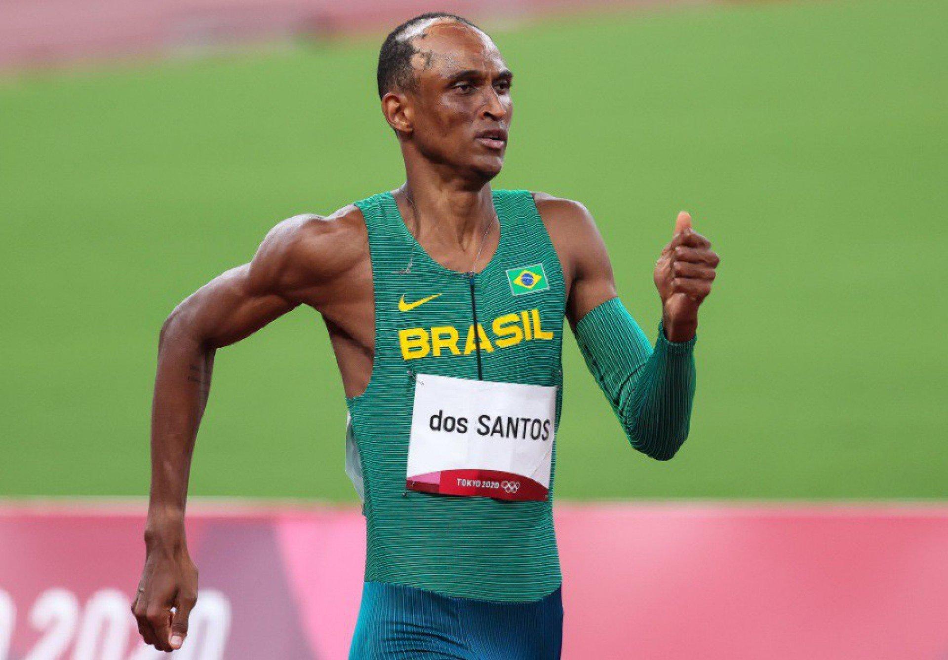 Após bronze na Olimpíada, Alison dos Santos vence etapa da Diamond League